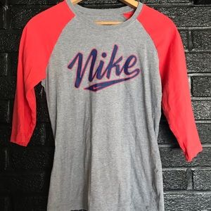 Women's Nike baseball T size medium